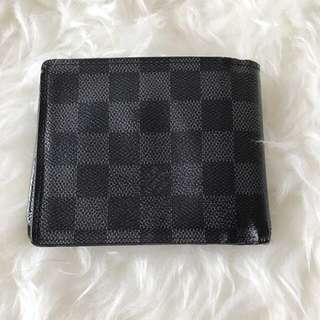 Louis Vuitton Men's Wallet (Lv)