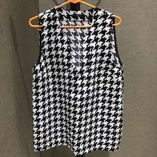 Toupy houndstooth top