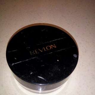 Bedak tabur Revlon face powder