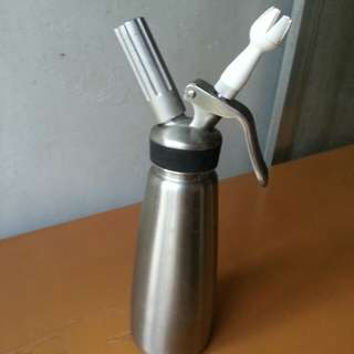 Stainless whipped cream dispenser set for sale or swap