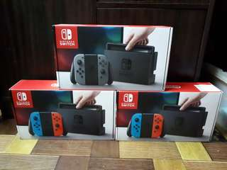 Nintendo switch complete with box and receipt plus 1 free game -