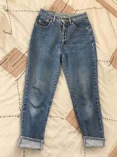 Lee Vintage sz 8-10 Boyfriend/Mom Jeans highwaisted