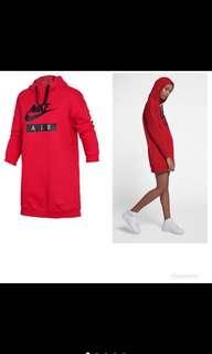 🚚 Nike 長版上衣 M