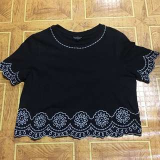 Topshop embroidered top US2 looks new