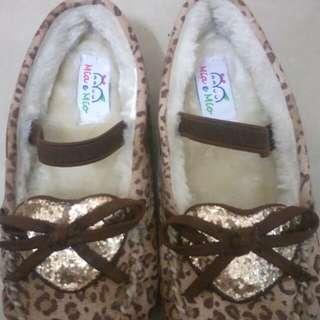 🚚 加絨女童豆豆鞋