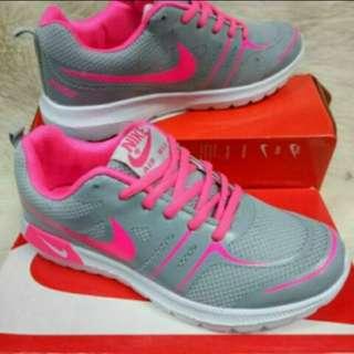 Rubber shoes Nike replica