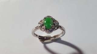 送禮佳品,天然翡翠配925銀鑲嵌戒指,活圈口,開心㗎$480。