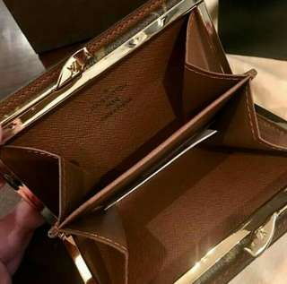 Old Stock Selling Low! Authentic Grade Louis Vuitton Purse