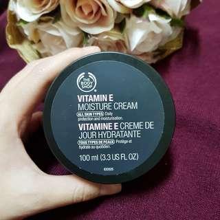 [FREE ONGKIR] Vitamin E Moisturizer Cream ORI 100%
