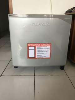 Kulkas Minibar Toshiba Glacio