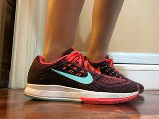 Nike Structure 18 Running Shoes US W 7.5