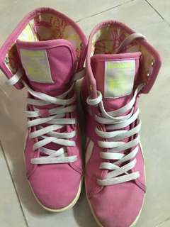 Reebok 粉紅色高筒布鞋