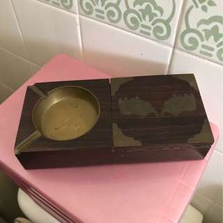旧木香烟盒