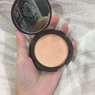 Becca Champagne Pop Highlighter