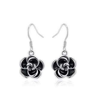 白金黑色玫瑰花耳墜/White gold rose earrings