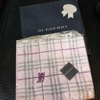 Burberry 粉紅色毛巾