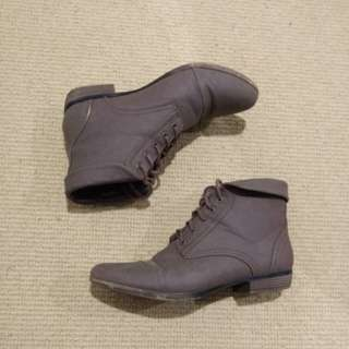 Novo ankle lace up boots