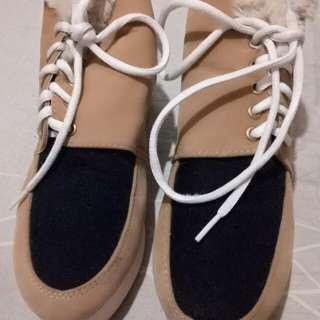 Sepatu ala korea