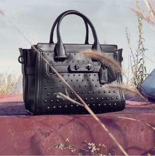 Pebble Leather Handles