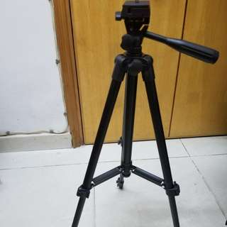 New Camera Tripod with carry bag