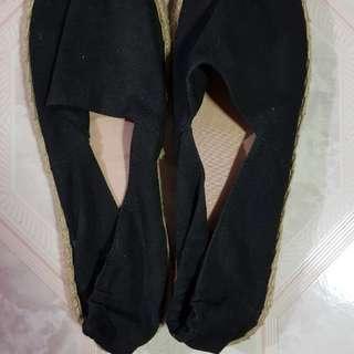 Divided Espadrille sandals