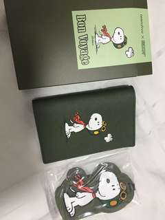 Snoopy passport holder and luggage tag