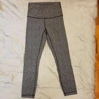 f4b21b5d3 Lululemon High Times Pants Size 6