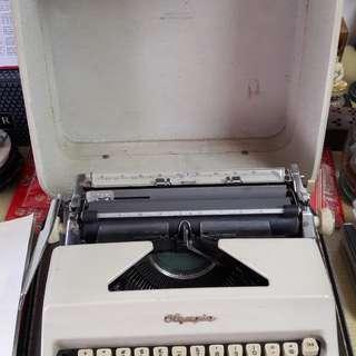 Olympia Typewritter
