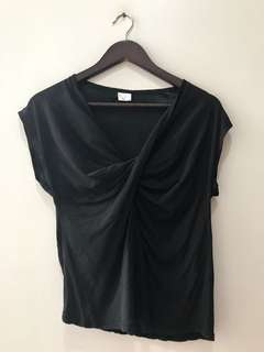 excellent condition Black Knotted top - fits small