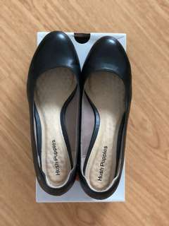 Hush Puppies Black Leather Pumps