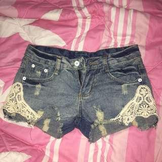 hotpants jeans + lace