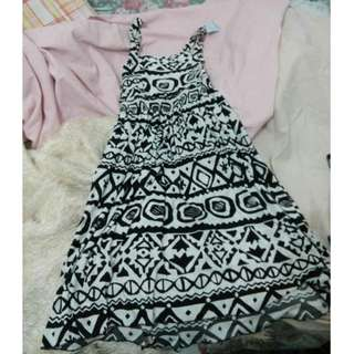 AZTEC PRINTED DRESS (used once)