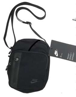 NIKE Core Small Items 3.0 Bag ba5268-010