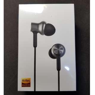 BNIB Xiaomi In-Ear Headphones Pro HD (Hybrid)