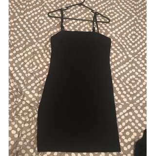 BLACK RIBBED MINI DRESS