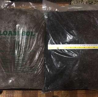 Loam Soil and Potting Mix Soil