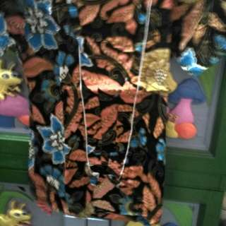 Batik tangan pendek dan dress bunga