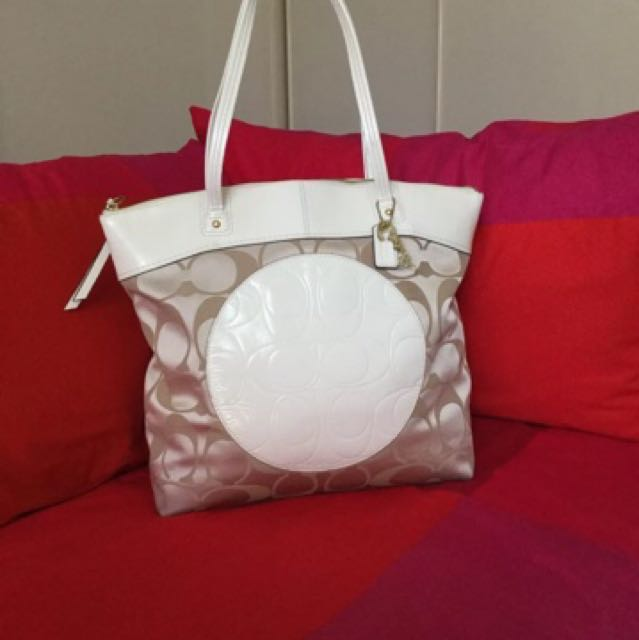 Authentic coach tote bag 120$ free postage