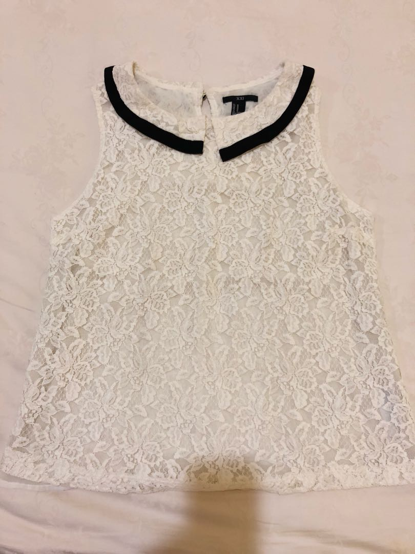 Forever 21 Lace Collar Sleeveless Blouse