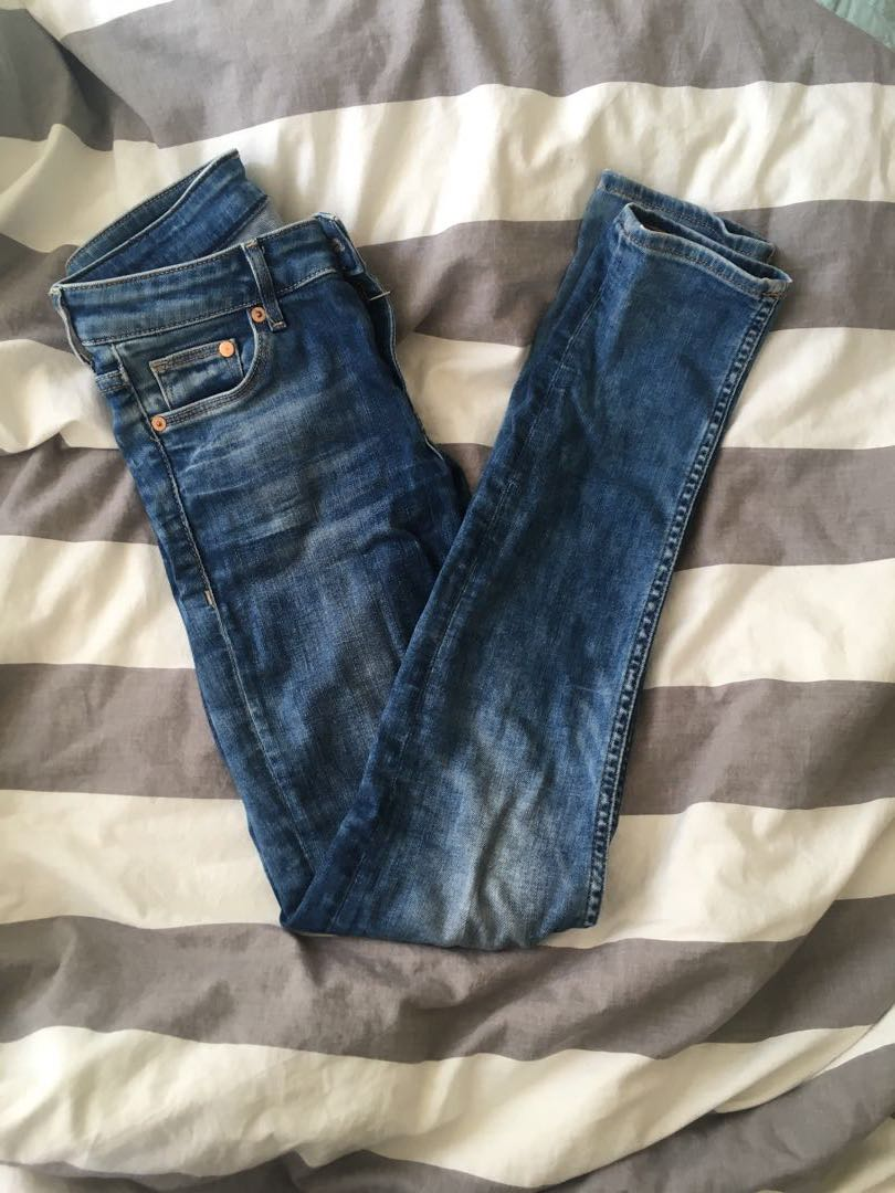H and M Low waisted Jeans
