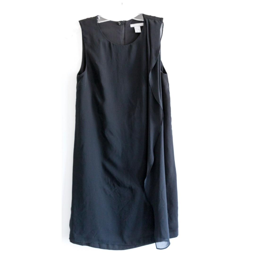 H&M shift little black dress. Shift short mini. Size S 4 small, Classic elegant