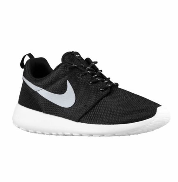 cheaper beba9 097ed Nike Black White Roshe on Carousell