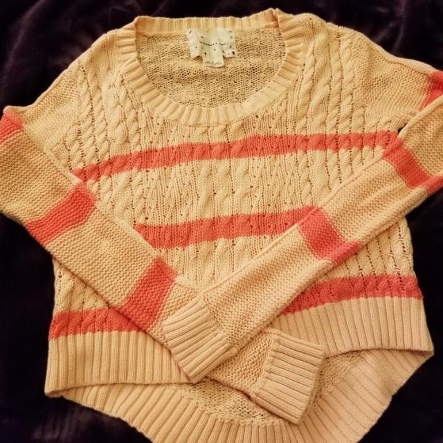 peach crop sweater small