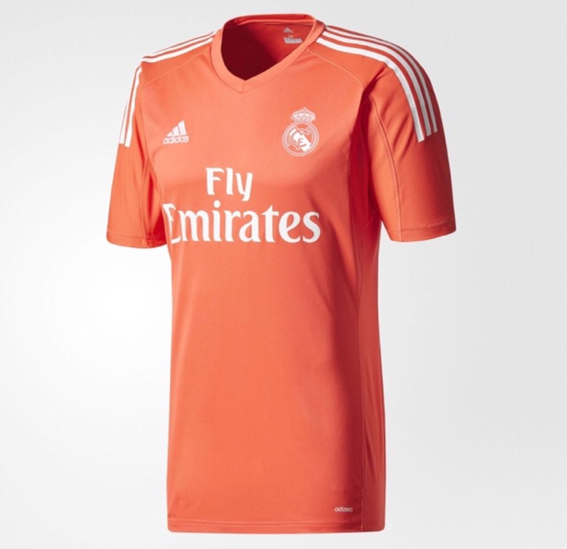 detailed look 9a2bb 253c7 Real Madrid keeper jersey
