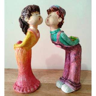 Hand Painted Kissing Figurine