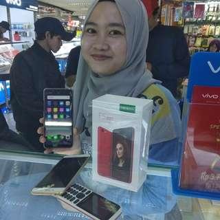 Oppo F6 RAM 6, bisa cicilan tanpa kartu kredit