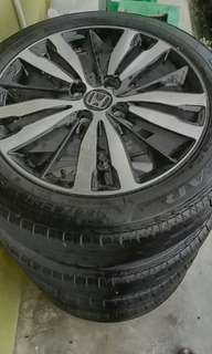 Honda jazz v spec rim with tire