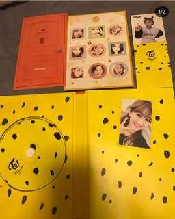 Twice knock knock專輯全齊(小卡+歌詞簿+貼紙+立體
