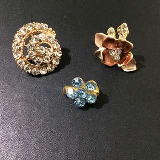 {BUNDLE} 3 Small Flower Brooch