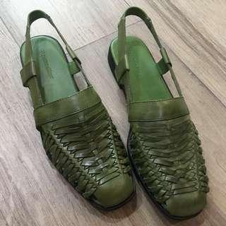 "BrandNew Naturalizer ""Weeve Me"" sandal"